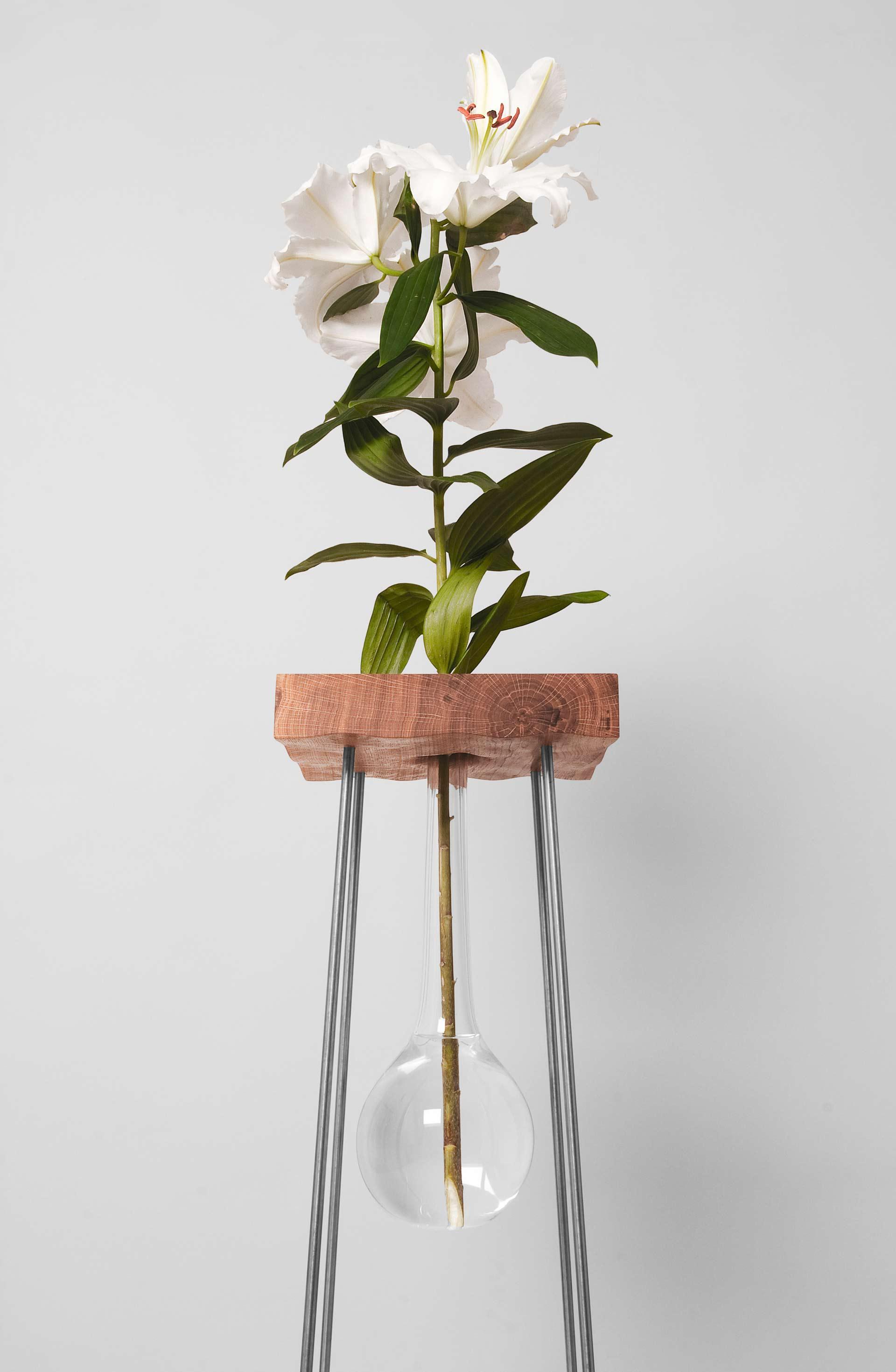 stolek-pro-kytku-7